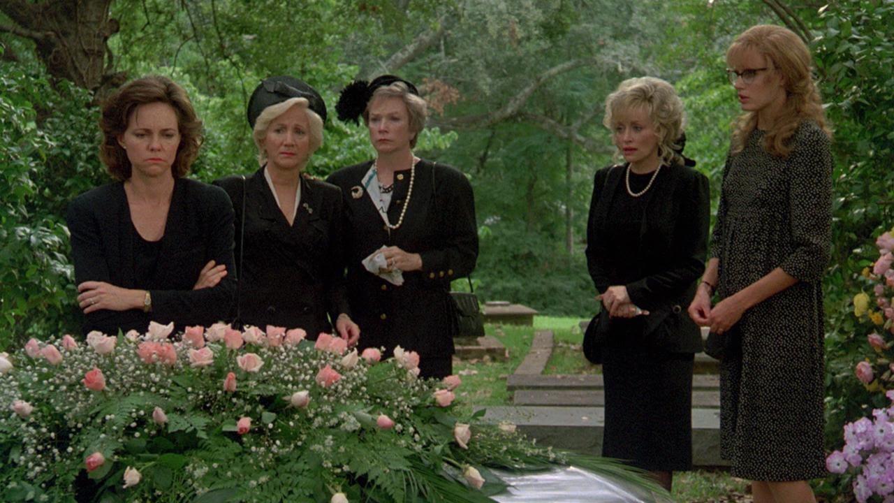 Sally Field, Daryl Hannah, Shirley MacLaine, Dolly Parton, and Olympia Dukakis in Steel Magnolias (1989)