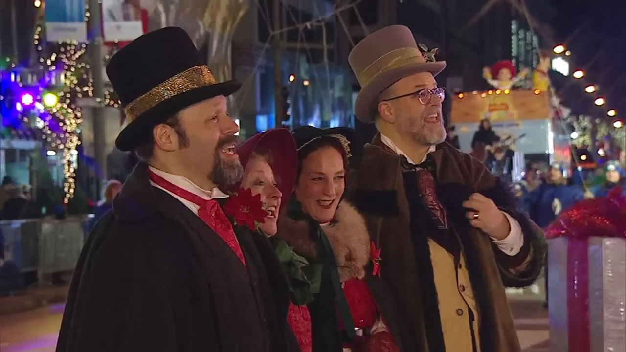 The Caroling Connection in The Magnificent Mile Lights Festival (2017)
