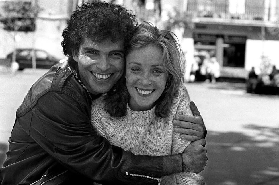 Vladimir Cruz and Amparo Muñoz in Un paraíso bajo las estrellas (2000)
