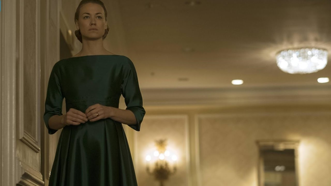 Yvonne Strahovski in The Handmaid's Tale (2017)