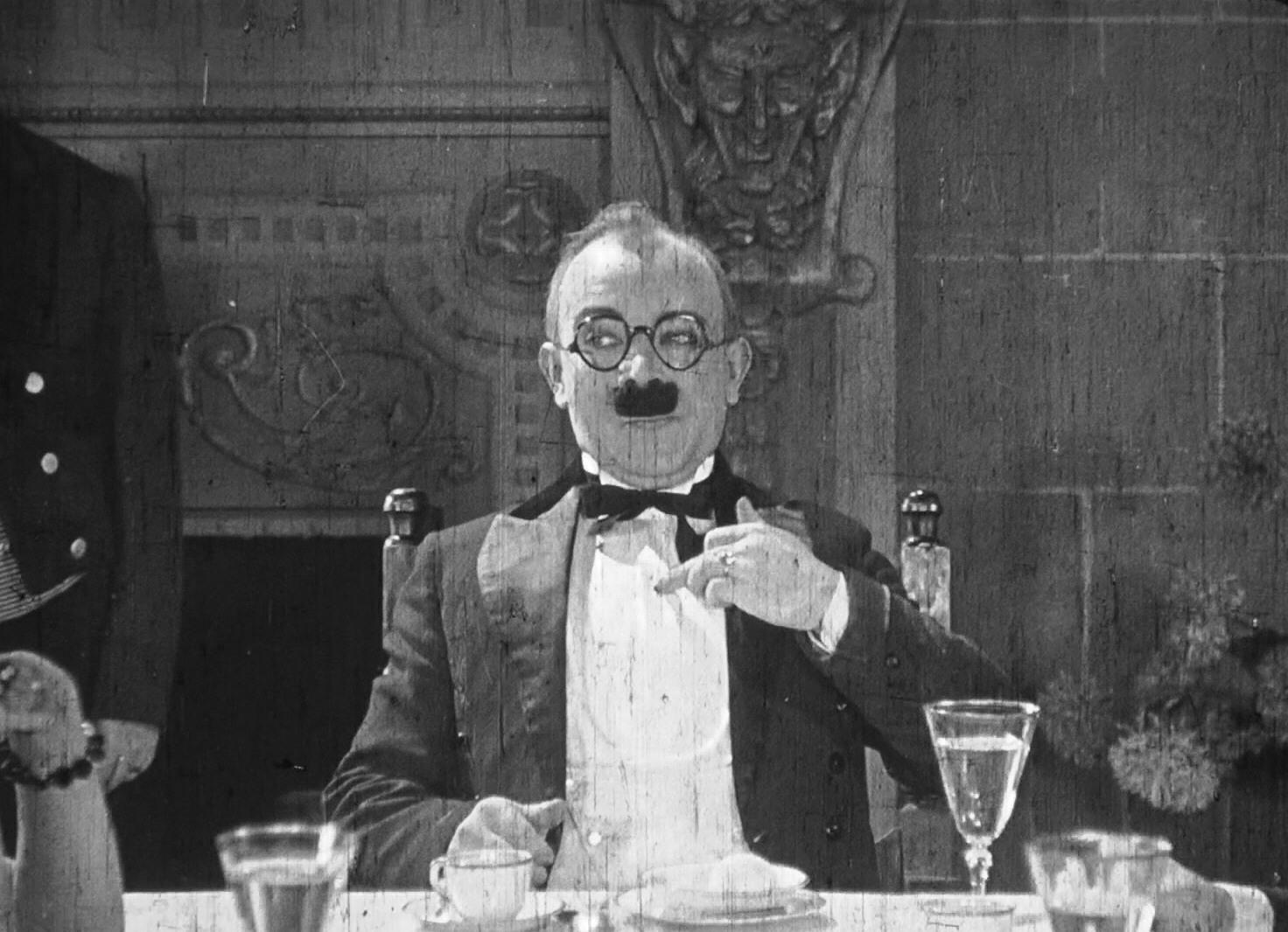 Barney Hellum in Hotsy-Totsy (1925)