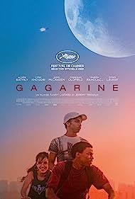 Alseni Bathily, Lyna Khoudri, and Jamil McCraven in Gagarine (2020)