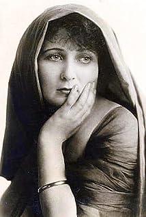 Gretchen Lederer Picture