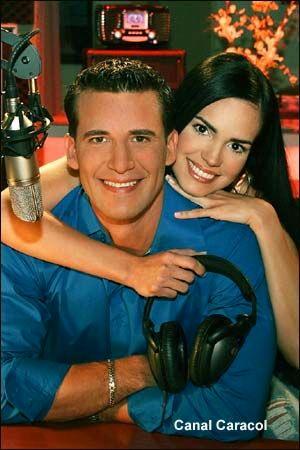 Jorge Aravena and Scarlet Ortiz in Mi vida eres tú (2006)
