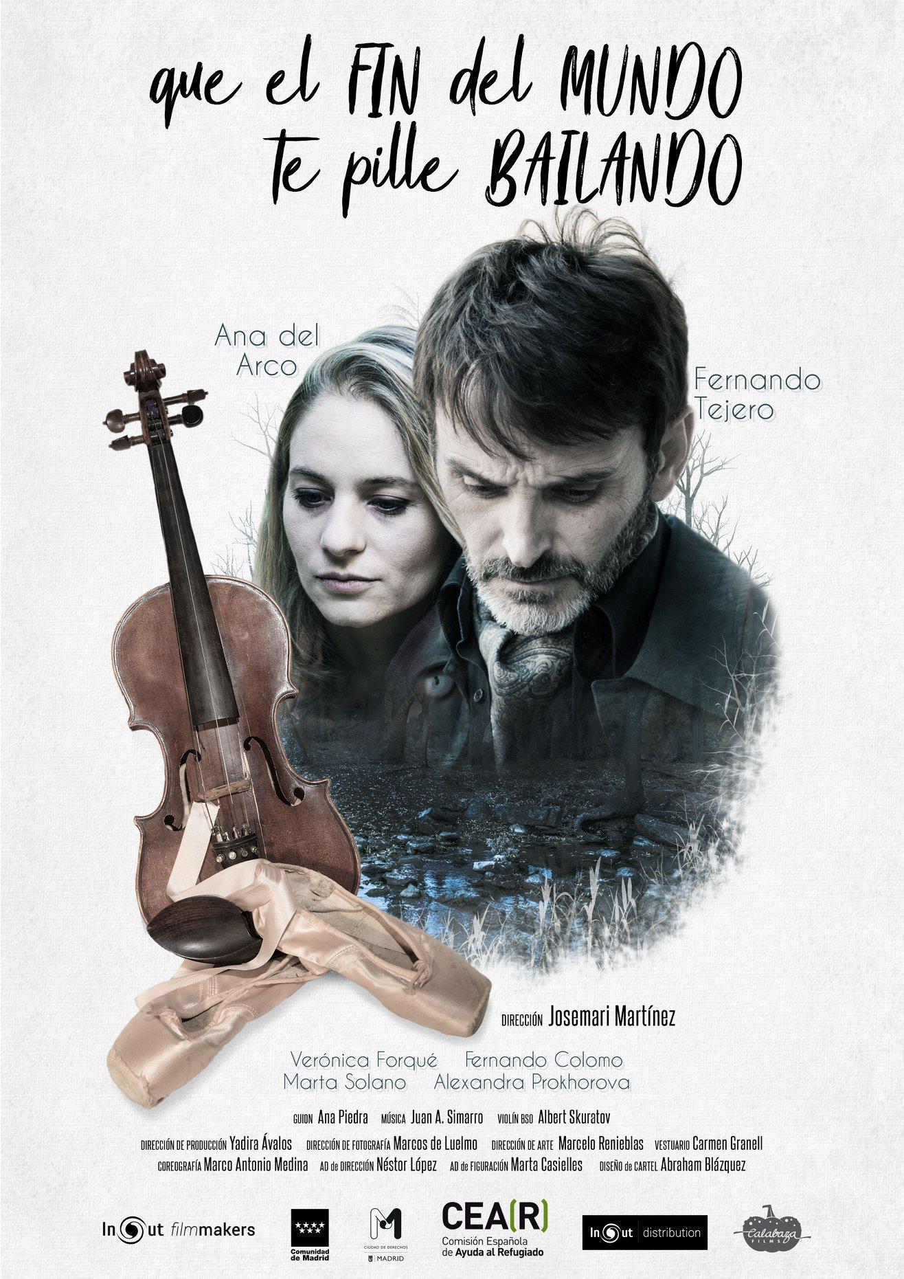 Fernando Tejero and Ana del Arco in Que el fin del mundo te pille bailando (2018)