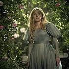 Ellie Bamber in Les Misérables (2018)
