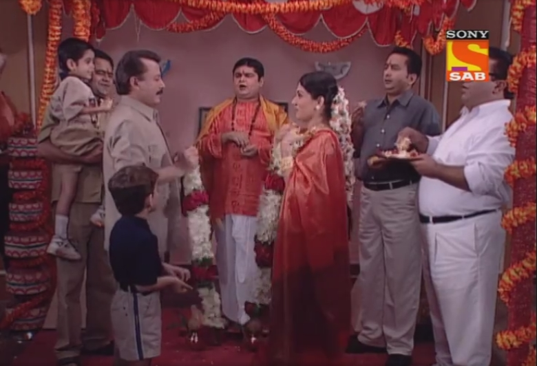 Deven Bhojani, Pankaj Kapur, Sanjay Mishra, Manoj Pahwa, Hemant Pandey, and Asawari Joshi in Office Office (2000)