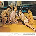 Richard Dreyfuss, Janet Leigh, Kay Cole, Gary Tigerman, and Lou Wagner in Hello Down There (1969)
