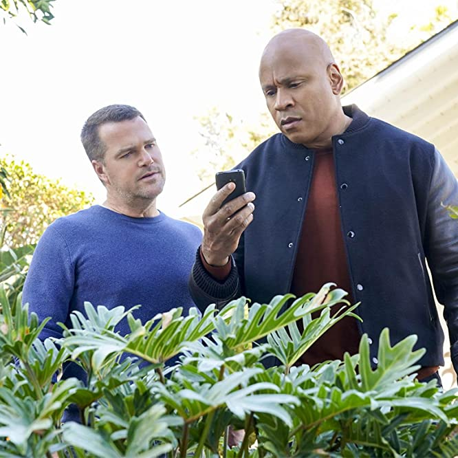 Chris O'Donnell and LL Cool J in NCIS: Los Angeles: Love Kills (2021)