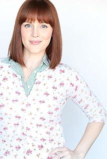 Sara Radle Picture