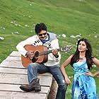 Pawan Kalyan and Samantha Akkineni in Atharintiki Daaredi (2013)