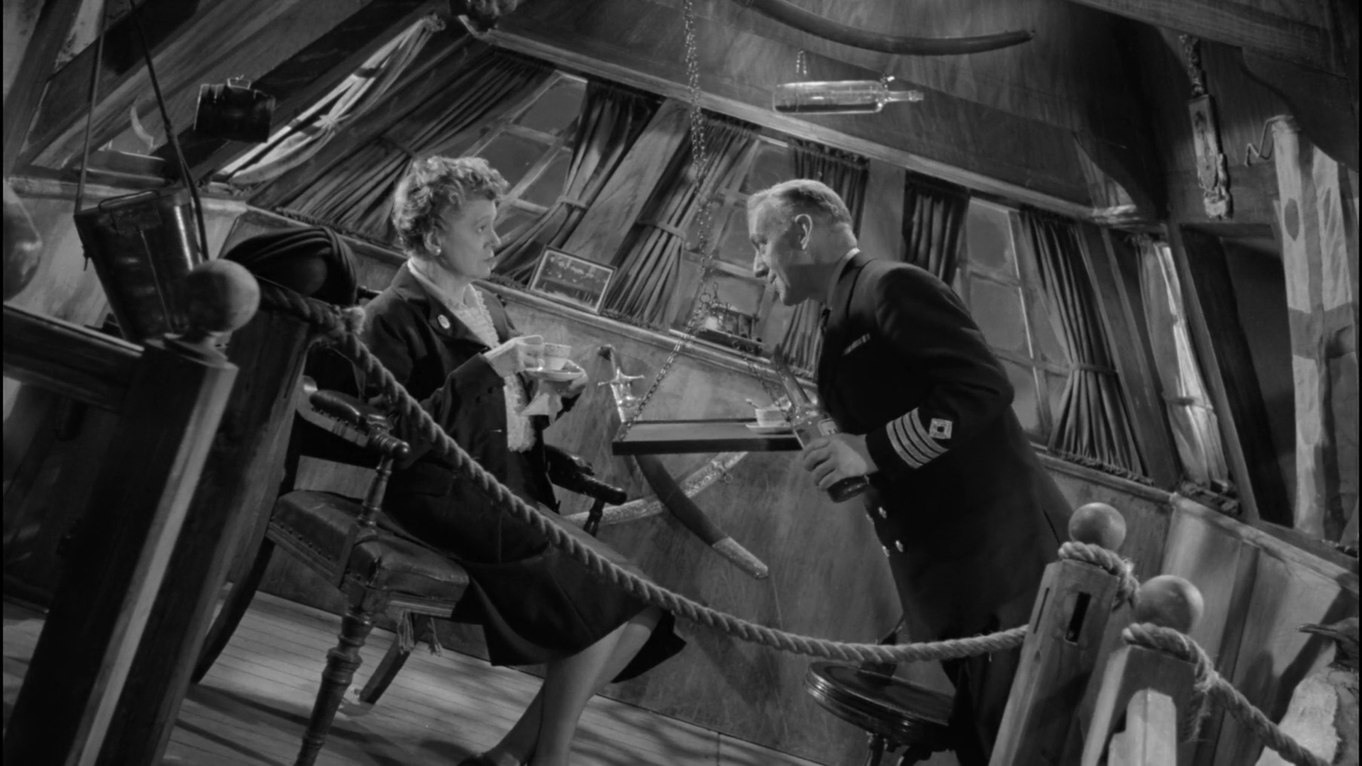 Alec Guinness and Irene Browne in Barnacle Bill (1957)
