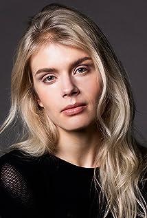 Alina Tomnikov Picture