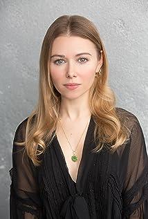 Sarah Alexandra Marks Picture