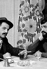 Dragan Nikolic and Bora Todorovic in Dvosobna kafana (1975)