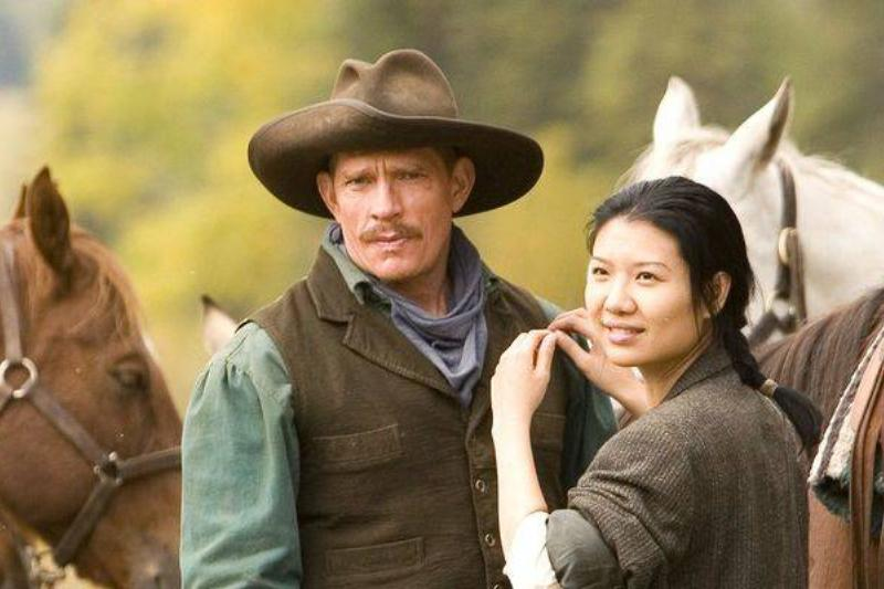 Thomas Haden Church and Gwendoline Yeo in Broken Trail (2006)