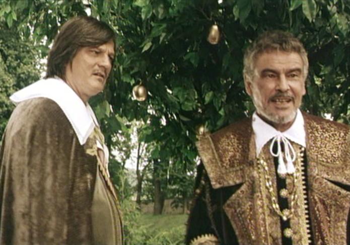 Horst Buchholz and Jozef Adamovic in Pták Ohnivák (1997)