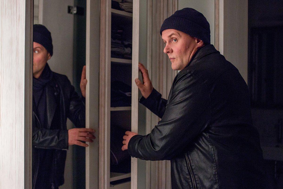 Devid Striesow in Schwartz & Schwartz: Mein erster Mord (2018)