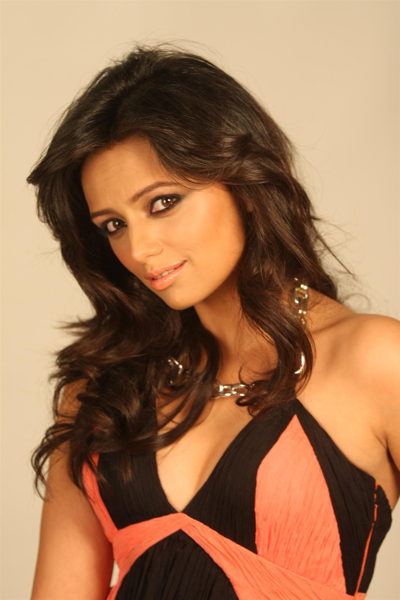 pictures Roshni Chopra