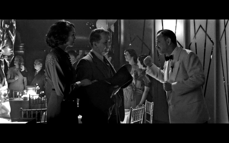 Gary Oldman, Randy Davison, and Tuppence Middleton in Mank (2020)