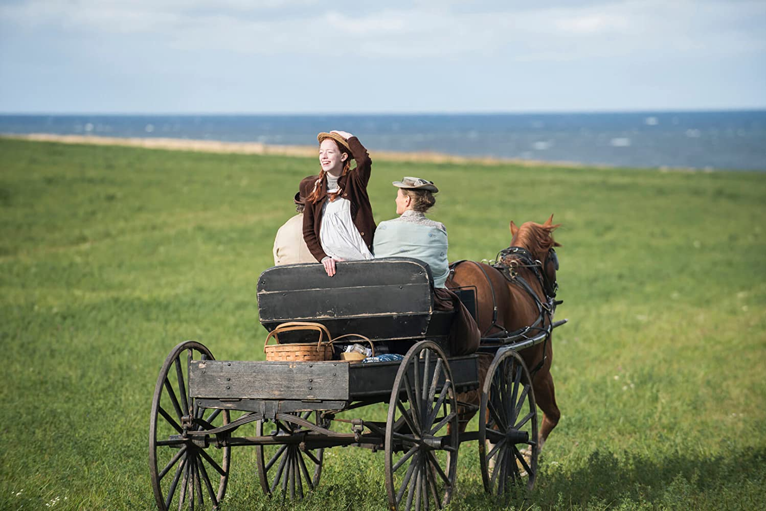 Geraldine James, R.H. Thomson, and Amybeth McNulty in Anne (2017)
