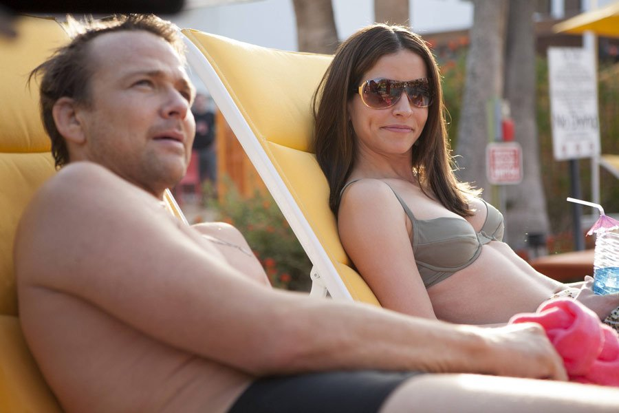 Sean Patrick Flanery and Emmanuelle Vaugier in Hidden Away (2013)