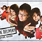 Mahima Chaudhry, Saurabh Shukla, Tiku Talsania, Arif Zakaria, Vivek Oberoi, Boman Irani, and Ayesha Takia in Home Delivery: Aapko... Ghar Tak (2005)