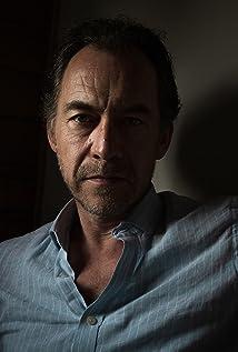 Dominic Mafham Picture