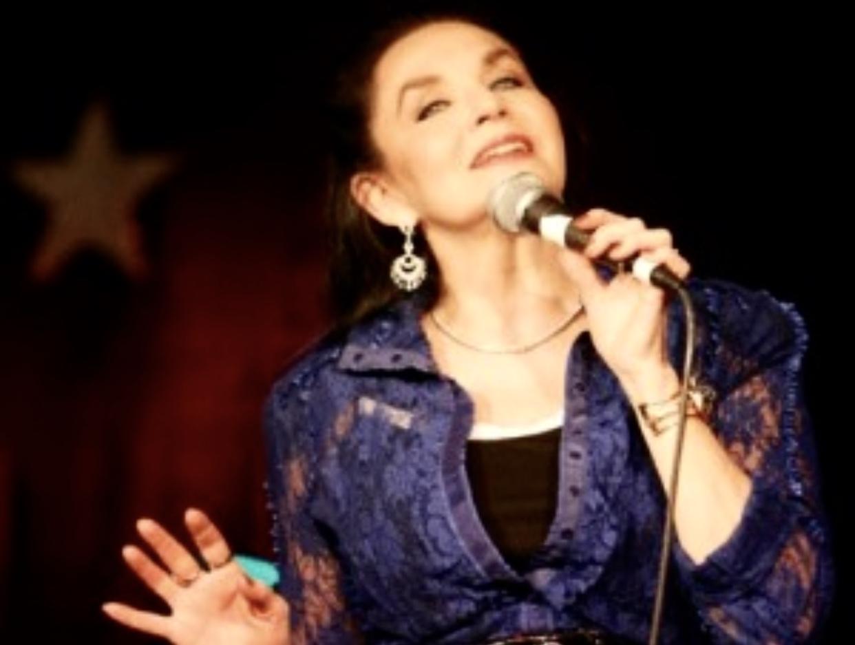 Danielle Schneider picture