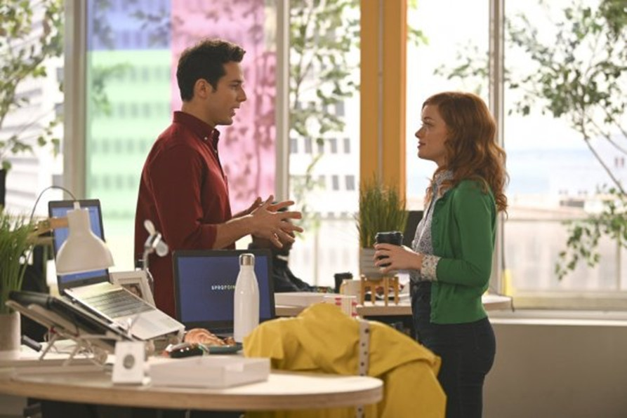 Skylar Astin and Jane Levy in Zoey's Extraordinary Playlist (2020)