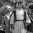 Tasos Giannopoulos in Enas ippotis me... tsarouhia (1968)