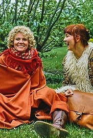 Lise Kamp Dahlerup and Annika Hoydal in Krigsdøtre (1981)