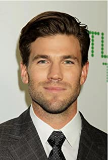 Austin Stowell Picture