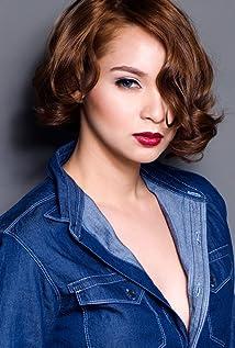 Ryza Cenon Picture