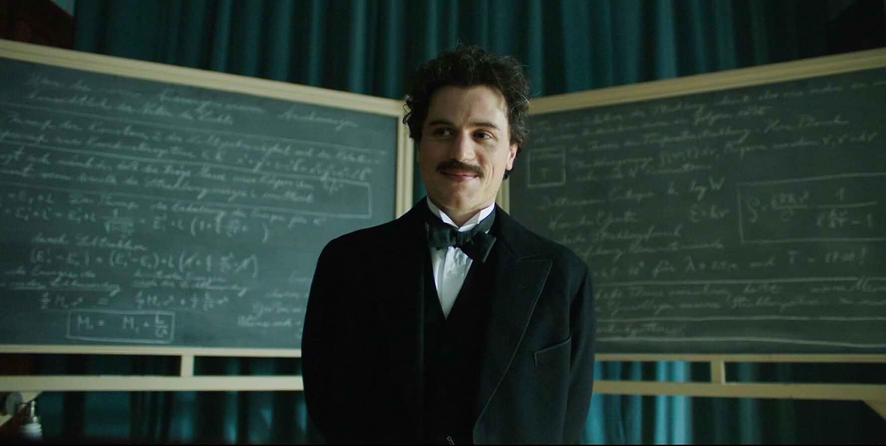 Johnny Flynn in Genius (2017)