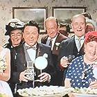 Derek Nimmo, Una Stubbs, Eileen Way, and Rita Webb in The Bargee (1964)