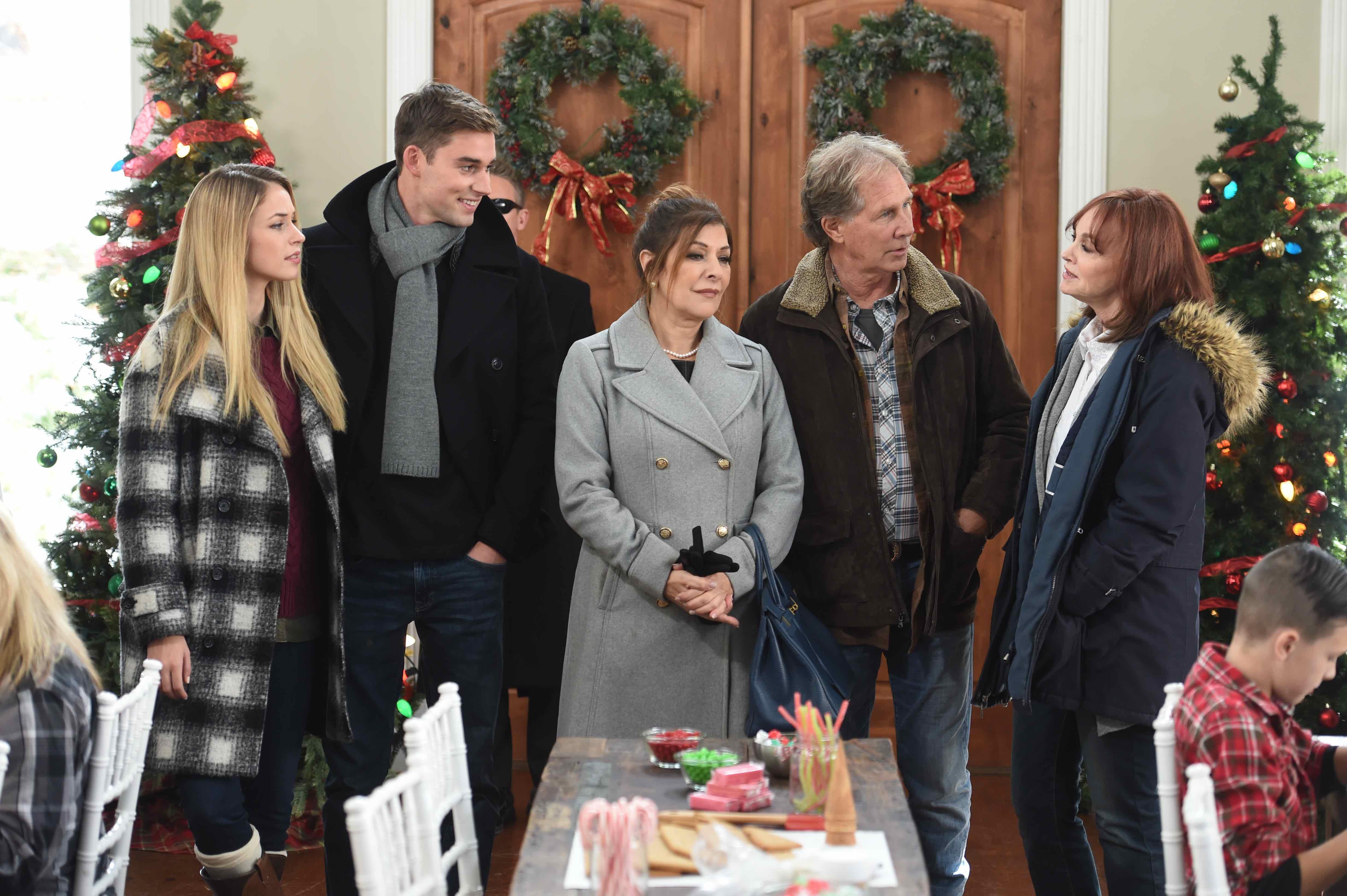 Marina Sirtis, Pamela Sue Martin, Parker Stevenson, Alexis Knapp, and Callum Alexander in My Christmas Prince (2017)