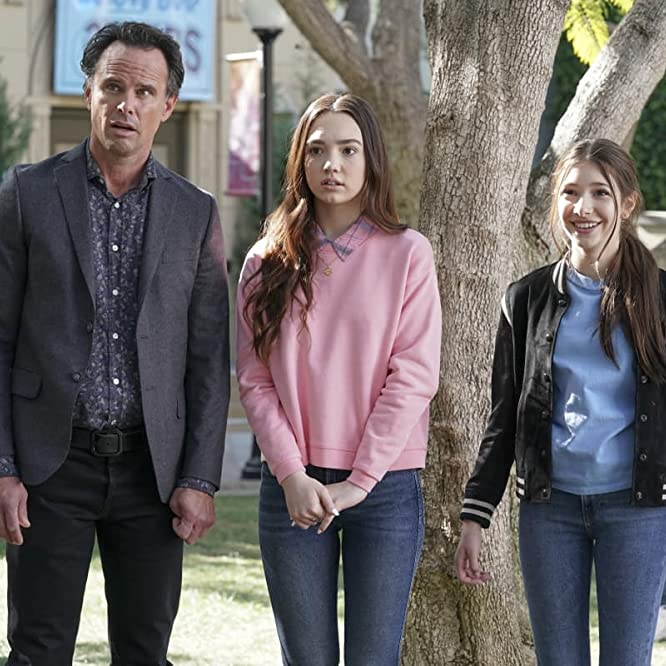 Walton Goggins, Makenzie Moss, and Ruby Jay in The Unicorn (2019)