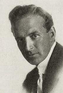 Elliott J. Clawson Picture