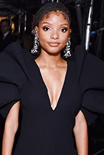 Halle Bailey Picture