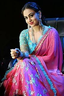 Aksha Pardasany Picture