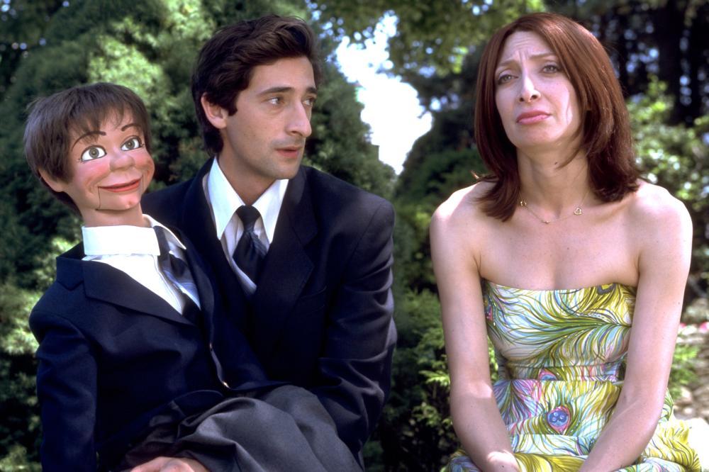 Illeana Douglas and Adrien Brody in Dummy (2002)