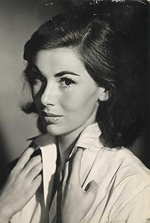 Madeleine Fischer Picture