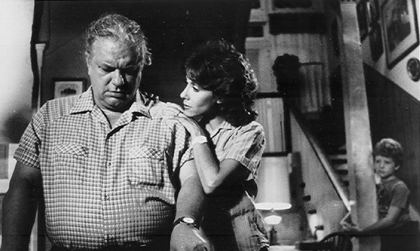 Charles Durning in Stand Alone (1985)