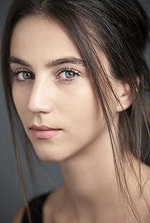 Claudia Salas Picture