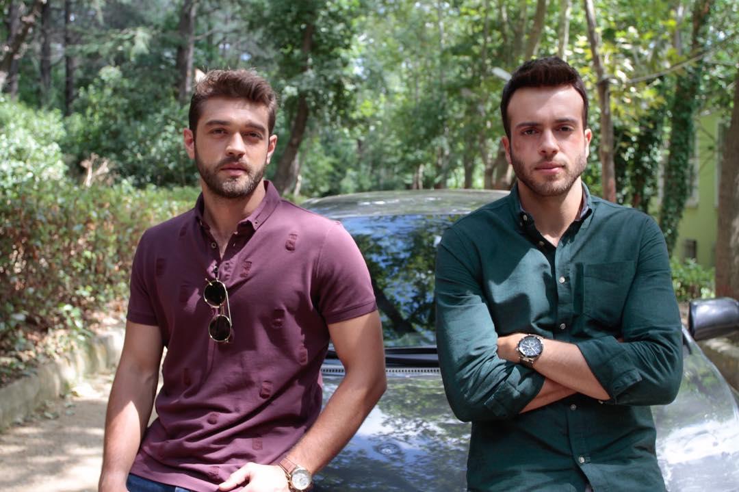 Furkan Andic and Kenan Acar in Sevdigimden (2017)