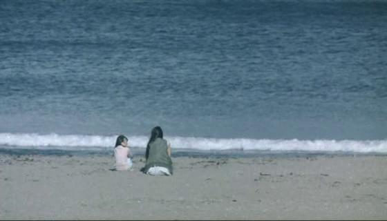 Chiaki Kuriyama and Miku Satô in Ekusute (2007)