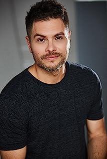 Erik Valdez Picture