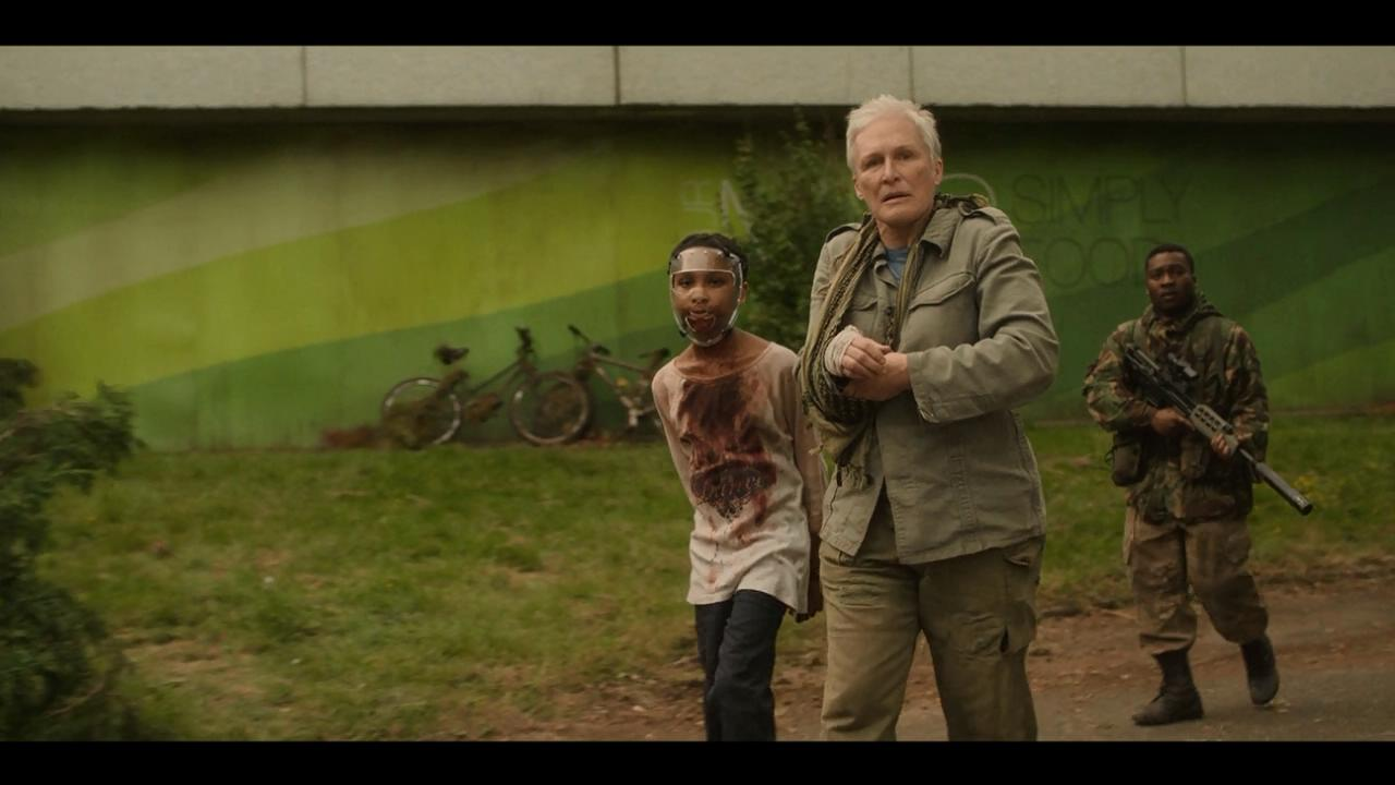 Glenn Close, Fisayo Akinade, and Sennia Nanua in The Girl with All the Gifts (2016)