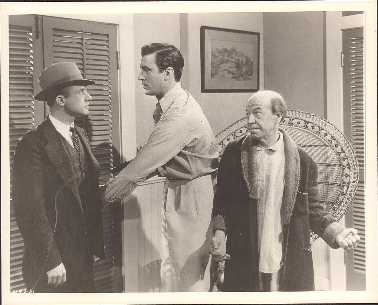 Dwight Frye, Donald Meek, and Walter Pidgeon in Phantom Raiders (1940)